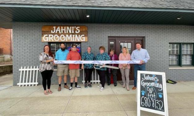 Jahni's Grooming Celebrates Opening with Darke County Chamber Ribbon Cutting